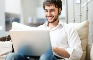 Student can earn college degrees online